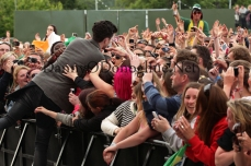 danny in crowd p3