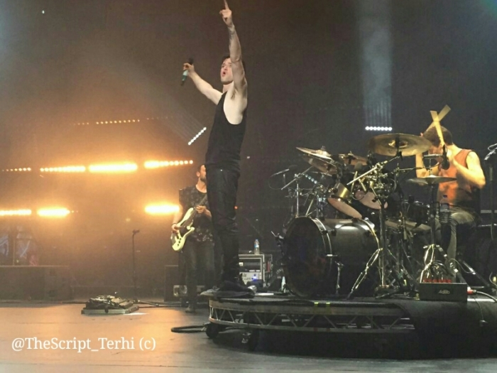 Danny commanding the stage in Frankfurt. Photo by Terhi.